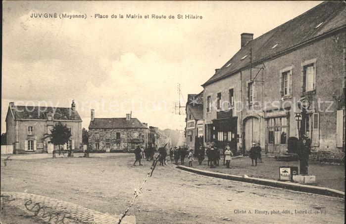 Juvigne Place de la Mairie et Route de St Hilaire / Juvigne /Arrond. de Laval