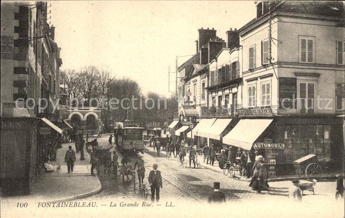 Fontainebleau Seine et Marne La grande Rue Tram / Fontainebleau /Arrond. de Fontainebleau