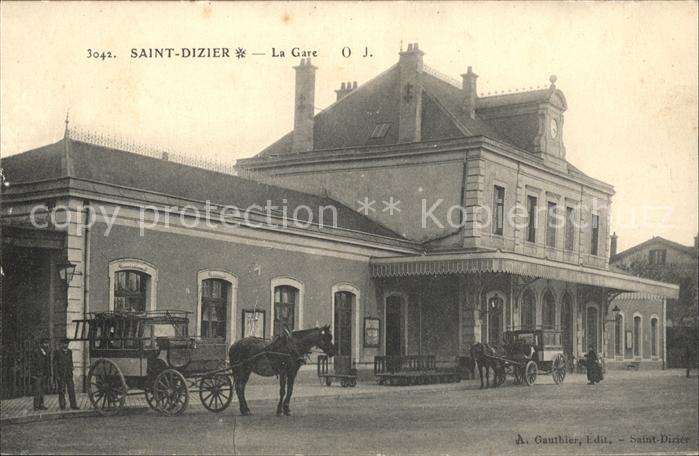 Saint-Dizier Haute-Marne La Gare Pferdekutsche / Saint-Dizier /Arrond. de Saint-Dizier