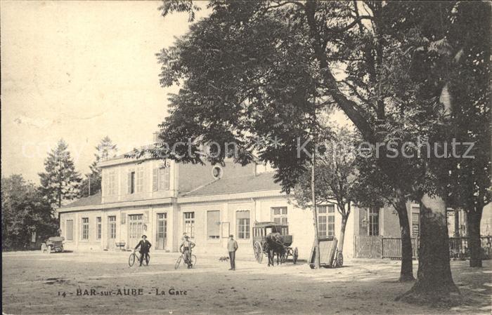 Bar-sur-Aube La Gare Bahnhof Pferdekutsche / Bar-sur-Aube /Arrond. de Bar-sur-Aube