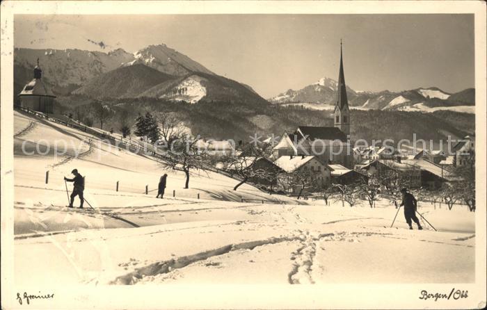Bergen Chiemgau Skifahrer Skispuren Kirche / Bergen /Traunstein LKR