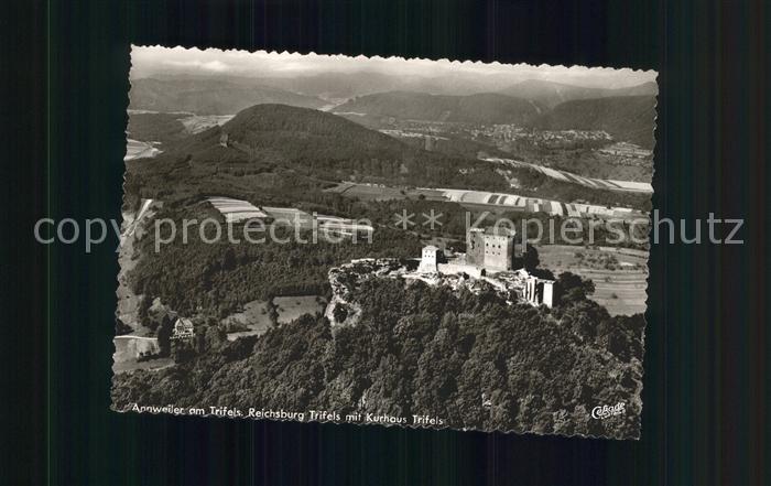 Annweiler Trifels Burg Trifels mit Kurhaus Fliegeraufnahme / Annweiler am Trifels /Suedliche Weinstrasse LKR