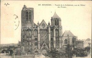 Bourges Facade de la Cathedrale Hotel des Postes Kat. Bourges