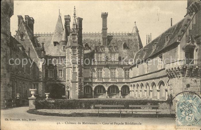 Maintenon Chateau Cour et Facade Meridionale Stempel auf AK Kat. Maintenon