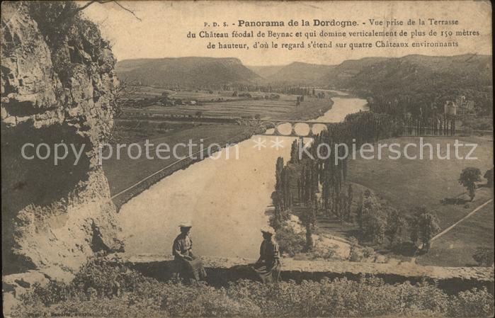 Beynac et Cazenac Vue panoramique prise de la Terrasse du Chateau Kat. Beynac et Cazenac