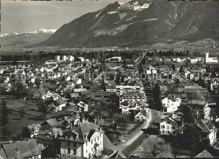 Werdenberg Blick ueber die Stadt Hauptstrasse Alpenpanorama Kat. Werdenberg