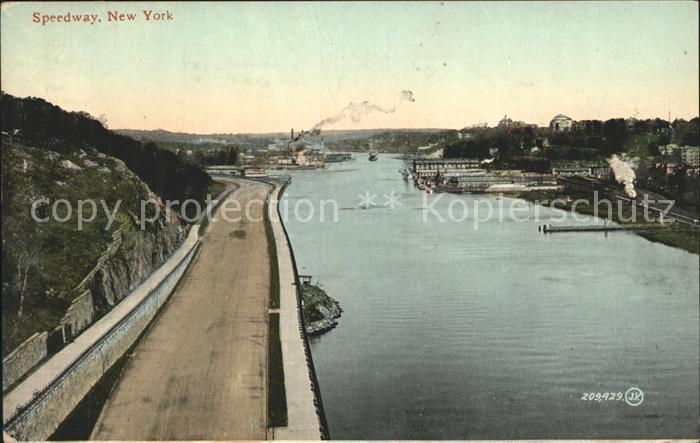 New York City Speedway River / New York /