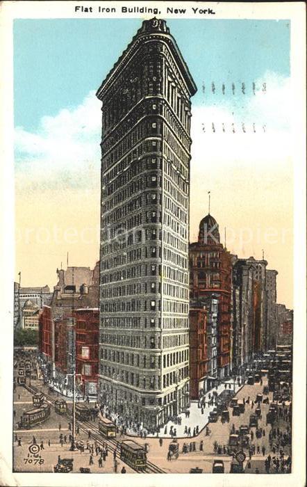 New York City Flat Iron Building Skyscraper / New York /