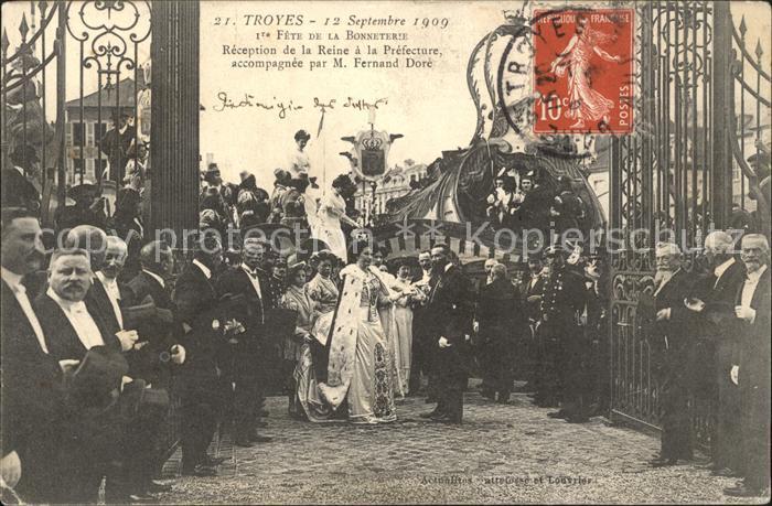 Troyes Aube Fete de la Bonneterie Reine Fernand Dore Stempel auf AK Kat. Troyes