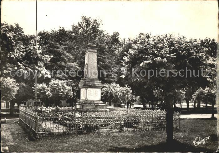 Lussac les Chateaux Monument aux Morts 1914 1918 Kat. Lussac les Chateaux