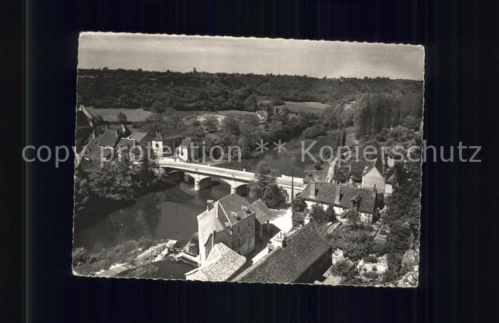 Angles sur l Anglin Riviere et le pont vus du Chateau Kat. Angles sur l Anglin