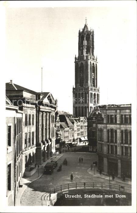 Utrecht Stadhuis met Dom Kat. Utrecht