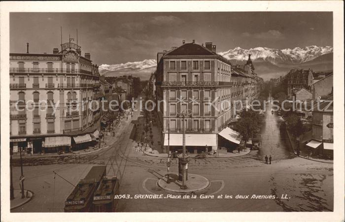 Grenoble Place de la Gare et les deux Avenues Alpes Kat. Grenoble