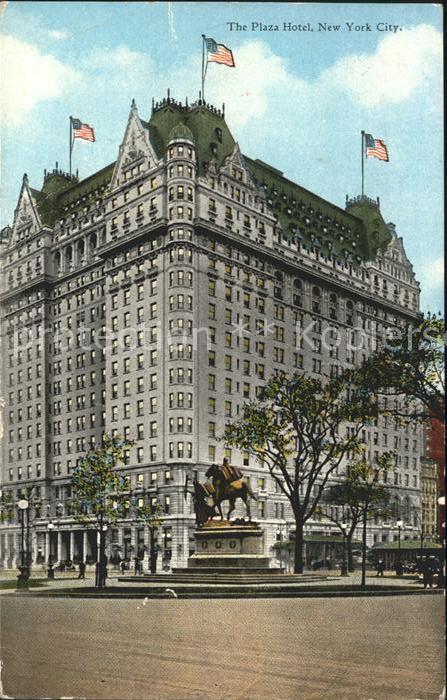 New York City Plaza Hotel Flag Monument / New York /