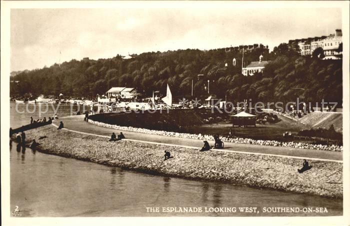 Southend-on-Sea Esplanade looking west / Southend-on-Sea /Southend-on-Sea
