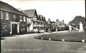 Datchet Post Office and Green Monument Kat. Windsor and Maidenhead