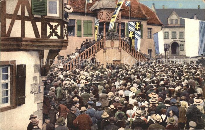 wx82517 Deidesheim Historische Gaisbockversteigerung vor der Kanne Fahne Hotel K