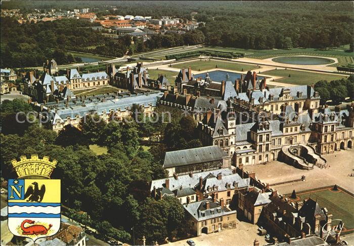 Fontainebleau Seine et Marne et ses Merveilles Fliegeraufnahme Les Palais Kat. Fontainebleau