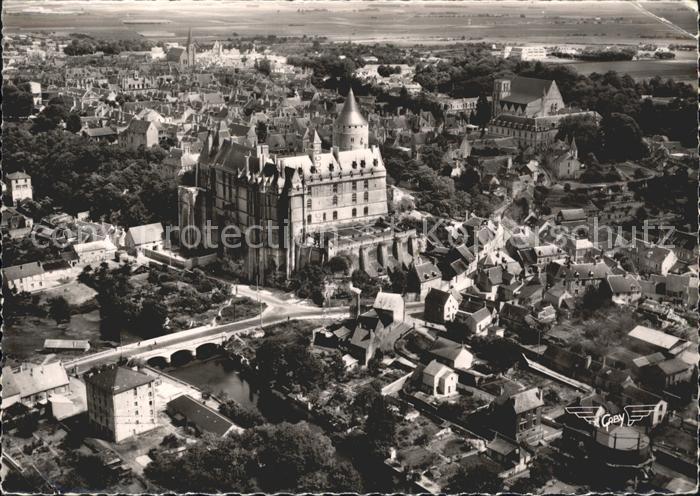 Chateaudun Chateau le Loir et la Ville vue aerienne Kat. Chateaudun