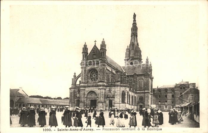 Sainte Anne d Auray Procession rentrant a la Basilique Kat. Sainte Anne d Auray