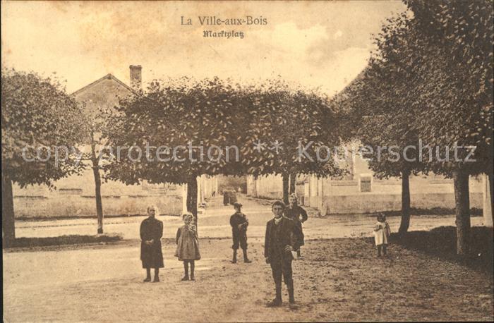 La Ville aux Bois Marktplatz Place du Marche Kat. La Ville aux Bois