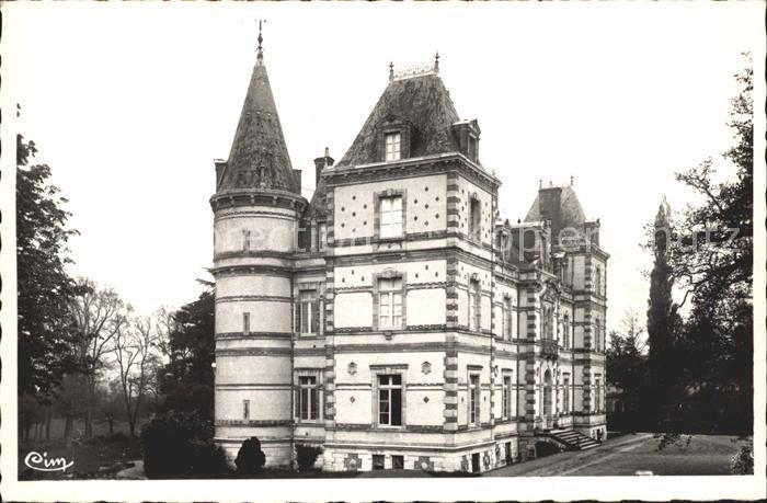 Saint Pierre le Moutier Chateau Beaumont Kat. Saint Pierre le Moutier