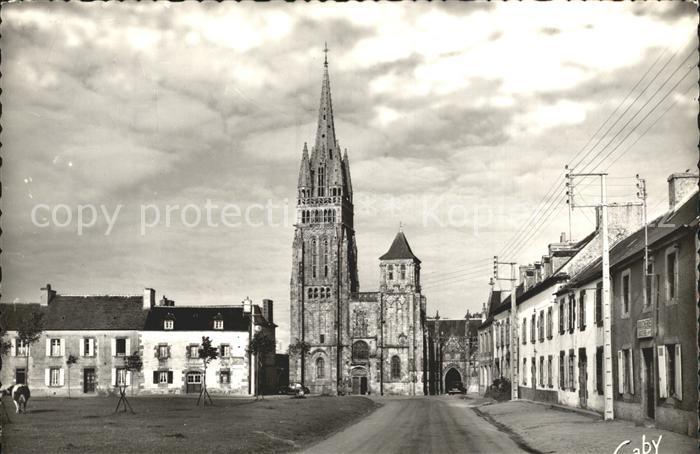 Folgoet Le Place et la Basilique Kat. Le Folgoet