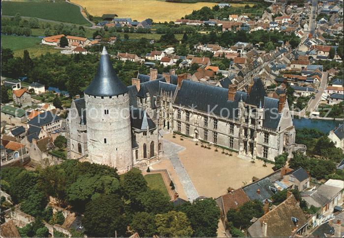 Chateaudun Chateau Donjon vue aerienne Kat. Chateaudun