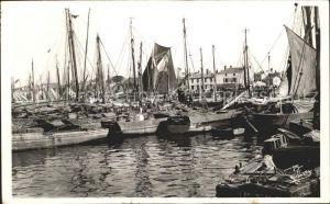 Les Sables d Olonne Les Thoniers dans le Port Kat. Les Sables d Olonne