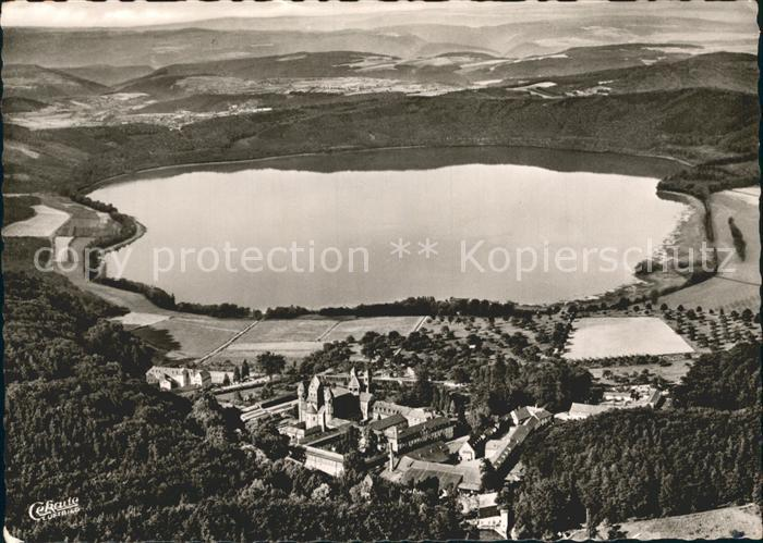 Maria Laach Glees Fliegeraufnahme Abtei Maria Laach mit Laacher See / Glees /Ahrweiler LKR