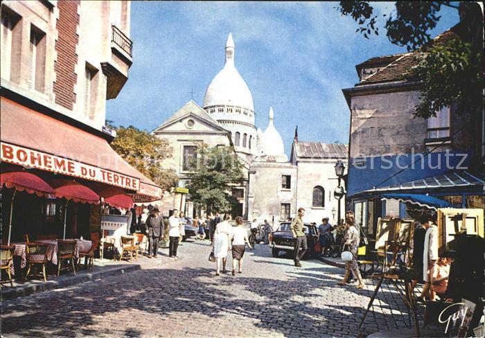 Paris Montmartre La place du Tertre Au fon le dome du Sacre Coeur Kat. Paris