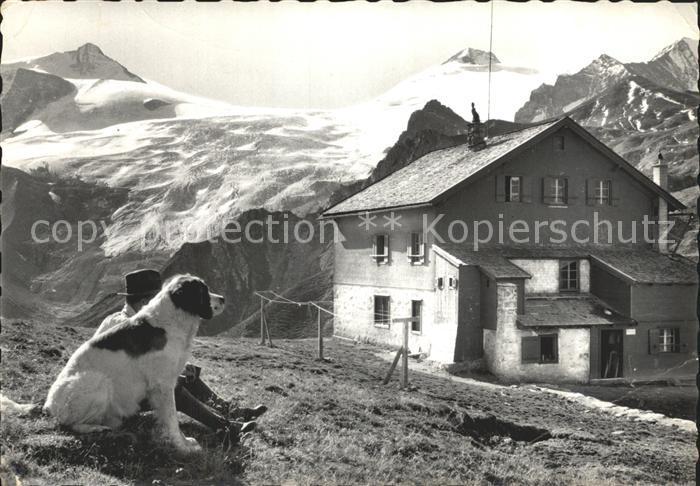 Tuxerjochhaus Mann mit Hund im Zillertal Kat. Finkenberg