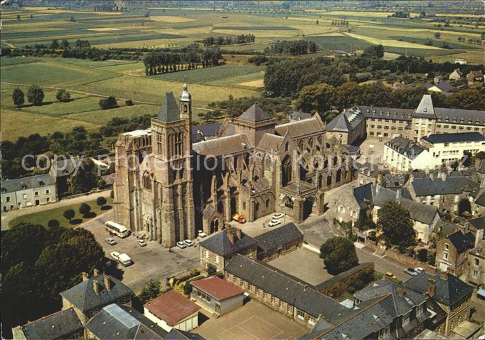 Dol de Bretagne Cathedrale Saint Samson Vue aerienne Kat. Dol de Bretagne