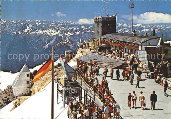 Zugspitze Muenchner Haus Aussichtsterrasse Bayrische Zugspitzbahn Alpenpanorama Kat. Garmisch Partenkirchen