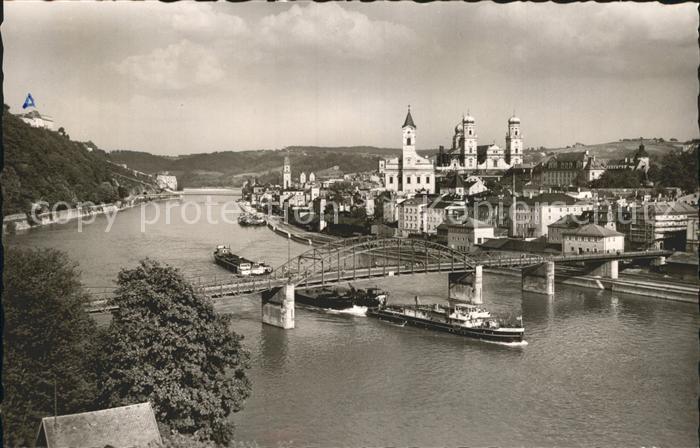 Passau Teilansicht mit Bruecke Kirche und Dom Dampfer Kat. Passau