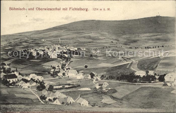Oberwiesenthal Erzgebirge Panorama mit Boehmisch Wiesenthal und Fichtelberg Kat. Oberwiesenthal
