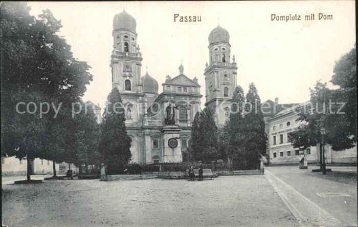 Passau Domplatz mit Dom Kat. Passau