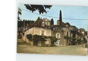 Saint Sozy Le centre au second plan le chateau Kat. Saint Sozy