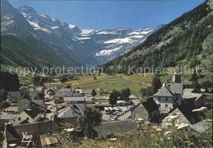 Gavarnie Hautes Pyrenees Vue generale au fond le Cirque Kat. Gavarnie