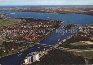 Kiel Nord Ostsee Kanal Holtenauer Schleuse Hochbruecken Kat. Kiel