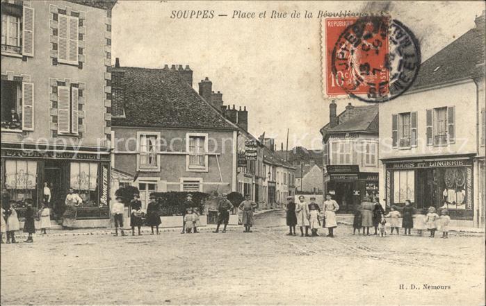 Souppes-sur-Loing Place et Rue / Souppes-sur-Loing /Arrond. de Fontainebleau