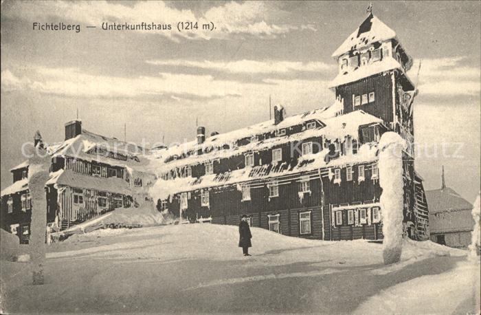 Oberwiesenthal Erzgebirge Fichtelberg Unterkunftshaus im Winter Kat. Oberwiesenthal