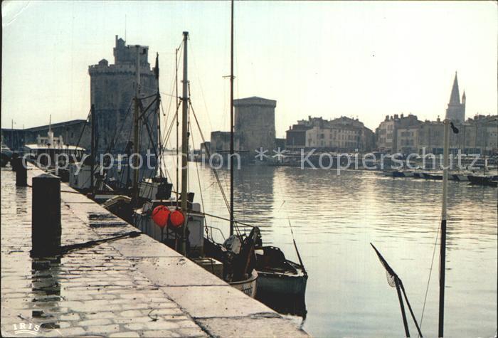 La Rochelle Charente Maritime Brume sur le Port la Tour St Nicolas et la Tour de la Chaine Kat. La Rochelle