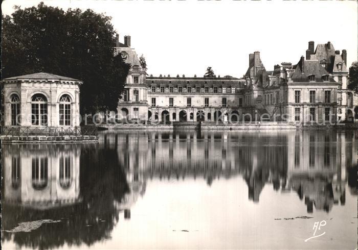 Fontainebleau Seine et Marne Palais de Fontainebleau Etang des Carpes et Pavillon de Napoleon  Kat. Fontainebleau