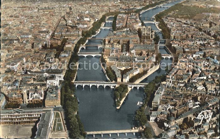 Paris Ile de la Cite Cathedrale Notre Dame Palais du Louvre Pont Eglise Tour Saint Jacques Hotel de Ville vue aerienne Kat. Paris