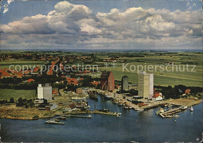 Burg Fehmarn Fliegeraufnahme Insel Fehmarn Hafen / Fehmarn /Ostholstein LKR