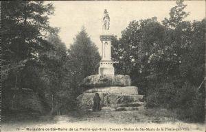 Saint-Leger-Vauban Ste Marie de la Pierre qui Vire Statue  / Saint-Leger-Vauban /Arrond. d Avallon