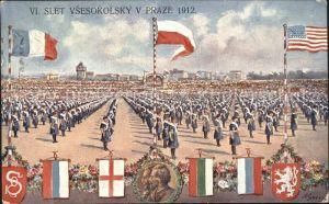 Tschechische Republik Parade Frauen mit Fahnen / Tschechische Republik /