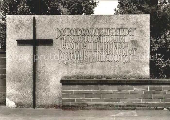 Fraulautern Saarlouis Kriegerdenkmal / Saarlouis /Saarlouis LKR