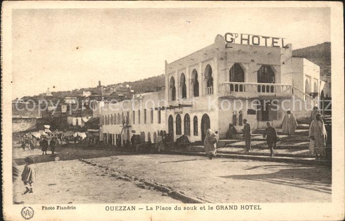 Ouezzan La Place du souk et le Grand Hotel Kat. Marokko